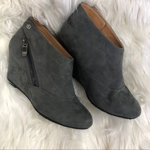 Chinese laundry soft grey booties wedges 7